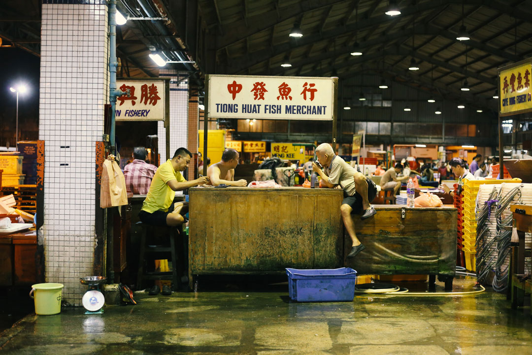 While Singapore Sleeps: 4:15am at Jurong Fishery Port