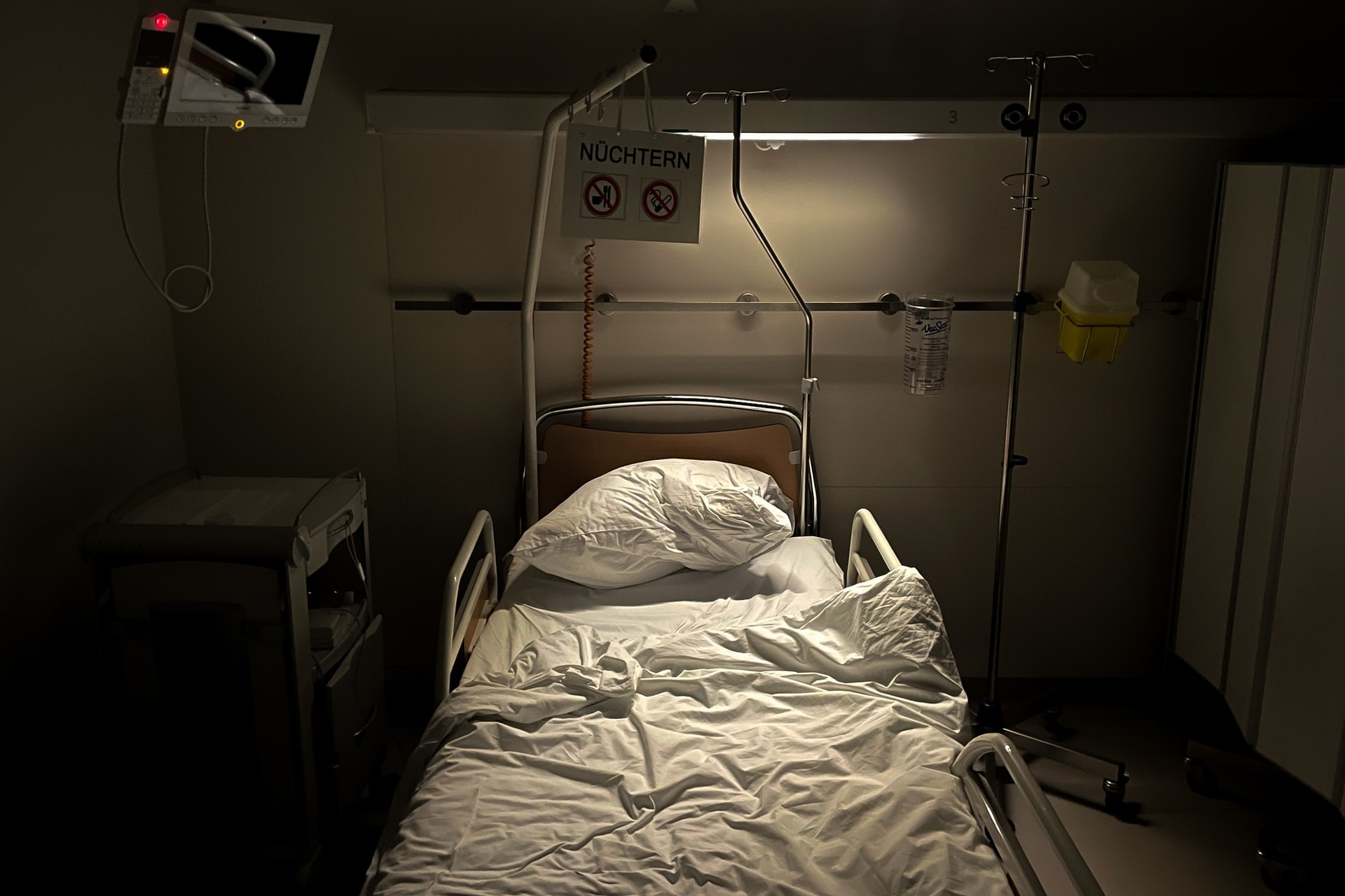 Overcrowded Hospitals & Insufficient Beds — Singapore Nurses Brace For Impact